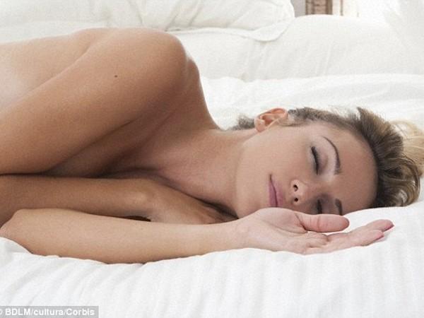 Ngủ khỏa thân mang lại nhiều lợi ích sức khỏe