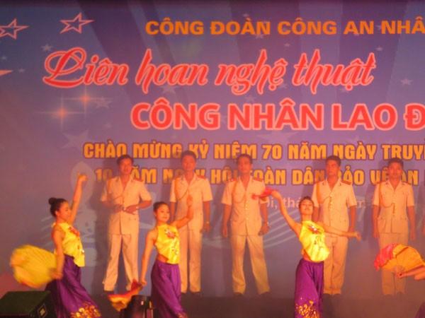 Tiết mục biểu diễn công đoàn CATP Hà Nội giành giải A