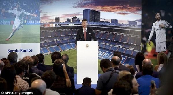 Real Madrid họp báo hoành tráng giới thiệu Ramos gia hạn hợp đồng ảnh 15