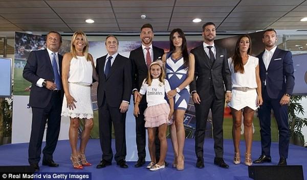 Real Madrid họp báo hoành tráng giới thiệu Ramos gia hạn hợp đồng ảnh 13