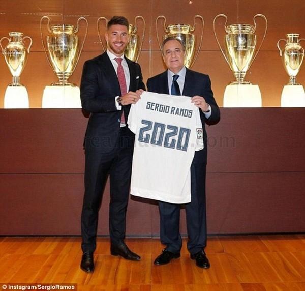 Real Madrid họp báo hoành tráng giới thiệu Ramos gia hạn hợp đồng ảnh 3