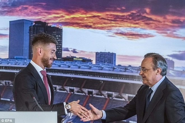 Real Madrid họp báo hoành tráng giới thiệu Ramos gia hạn hợp đồng ảnh 8