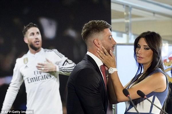 Real Madrid họp báo hoành tráng giới thiệu Ramos gia hạn hợp đồng ảnh 1