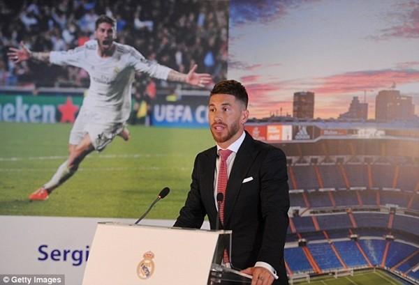Real Madrid họp báo hoành tráng giới thiệu Ramos gia hạn hợp đồng ảnh 16