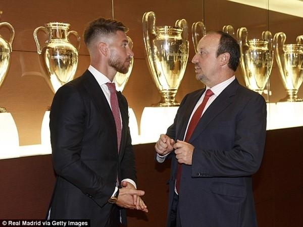 Real Madrid họp báo hoành tráng giới thiệu Ramos gia hạn hợp đồng ảnh 5
