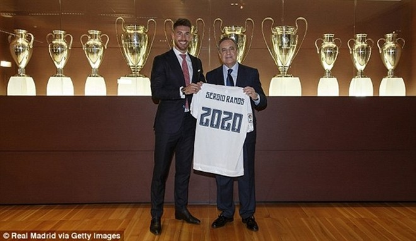 Real Madrid họp báo hoành tráng giới thiệu Ramos gia hạn hợp đồng ảnh 4