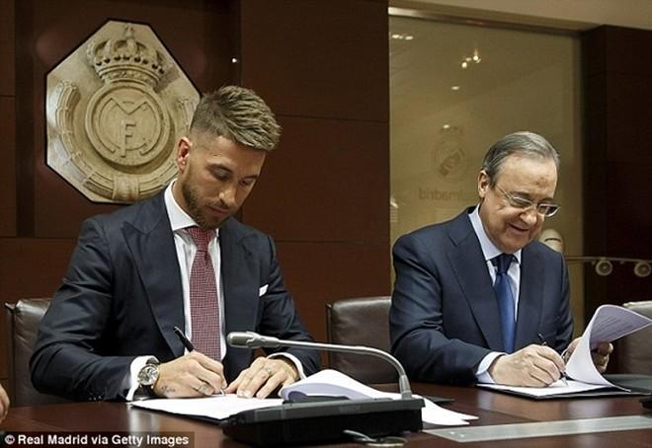 Real Madrid họp báo hoành tráng giới thiệu Ramos gia hạn hợp đồng ảnh 9