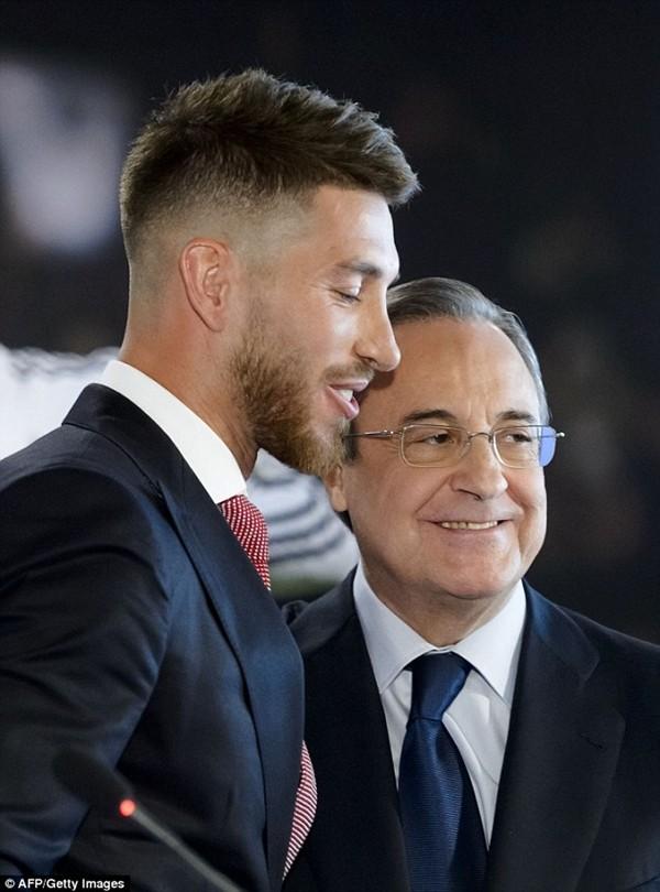 Real Madrid họp báo hoành tráng giới thiệu Ramos gia hạn hợp đồng ảnh 14