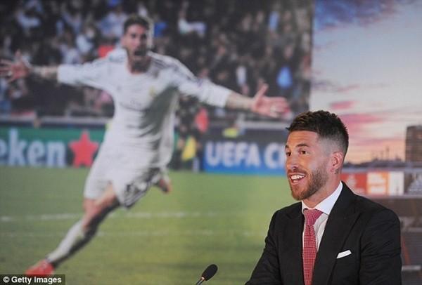 Real Madrid họp báo hoành tráng giới thiệu Ramos gia hạn hợp đồng ảnh 2