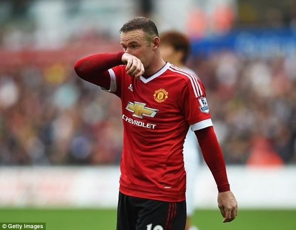 Rooney lỗi hẹn ở trận gặp PSV Eindhoven