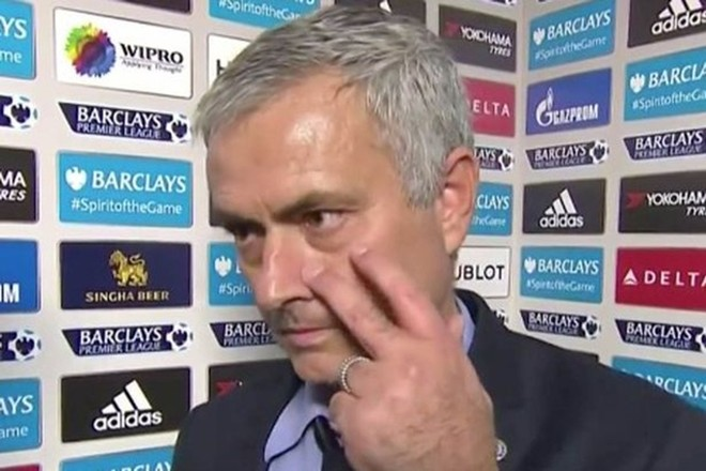 Mourinho khiến phóng viên phì cười sau trận thua muối mặt 1-3 trước Liverpool