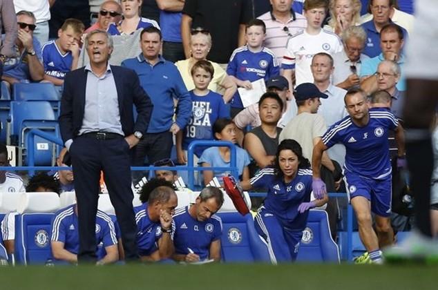 """Mourinho là """"con ngựa bất kham"""""""