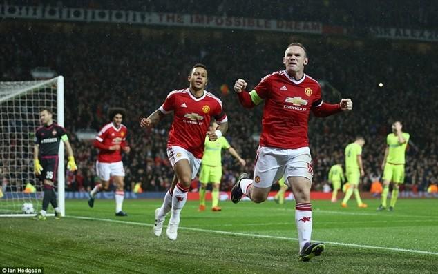 """Rooney ăn mừng bàn thắng đầu tiên sau 404 phút """"khô hạn"""""""