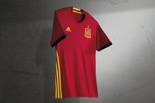 Lộ diện áo đấu mới của các ĐT tại VCK Euro 2016 ảnh 15