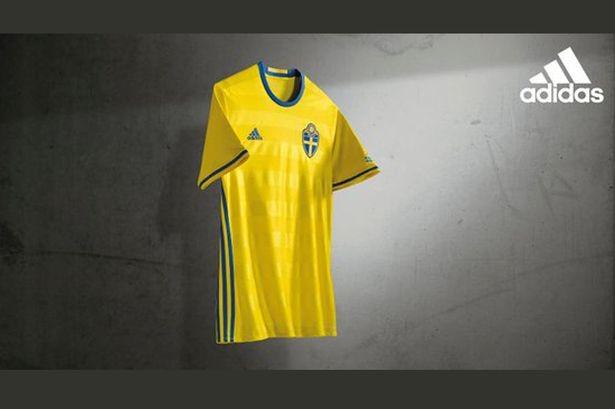 Lộ diện áo đấu mới của các ĐT tại VCK Euro 2016 ảnh 17