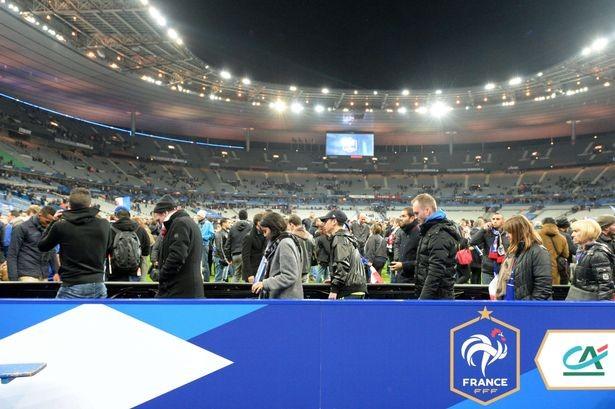 Tấn công khủng bố kinh hoàng ở Paris: 3 CĐV thiệt mạng bên ngoài sân Stade de France ảnh 4