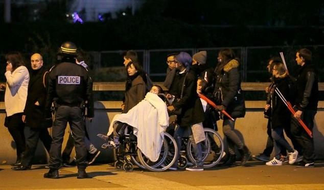 Tấn công khủng bố kinh hoàng ở Paris: 3 CĐV thiệt mạng bên ngoài sân Stade de France ảnh 6