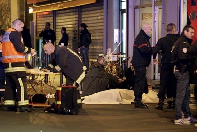 CĐV của Everton thiệt mạng trong vụ tấn công khủng bố ở Paris