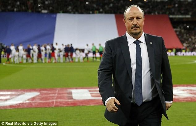 Benitez đang chịu áp lực rất lớn sau thảm bại của Real Madrid trước Barcelona
