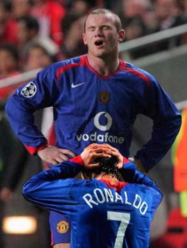 Những bức ảnh phản cảm nhất trong lịch sử bóng đá ảnh 1