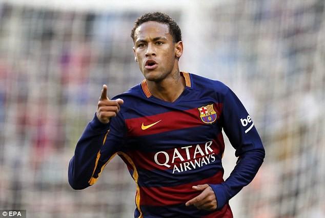 Neymar cũng thi đấu chói sáng ở mùa giải trước và giai đoạn đầu mùa này
