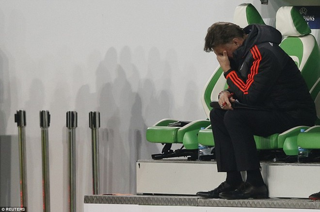 Van Gaal bị chỉ trích nặng nề sau thất bại của Quỷ đỏ tại Champions League