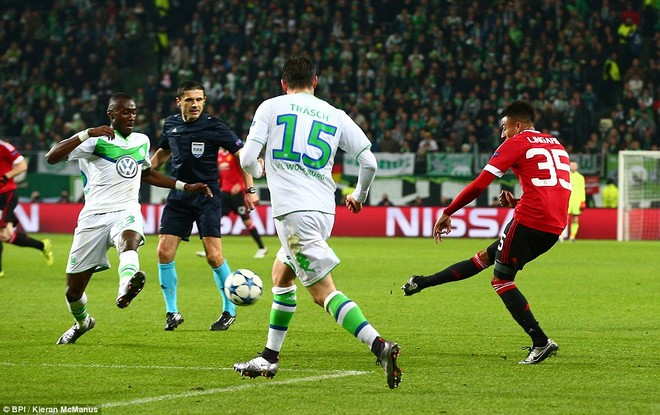 Tình huống Lingard đưa bóng vào lưới của Wolfsburg