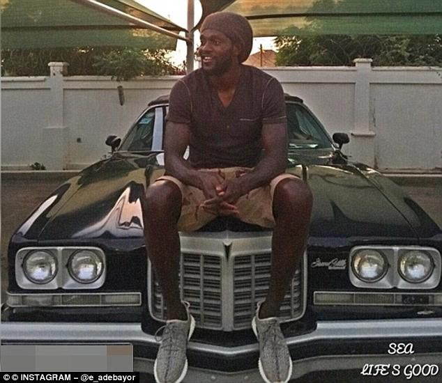 Thất nghiệp, cựu cầu thủ của Arsenal vẫn vung tiền sắm siêu xe ảnh 4