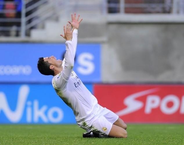 Ronaldo thi đấu với chấn thương trong suốt 3 tháng
