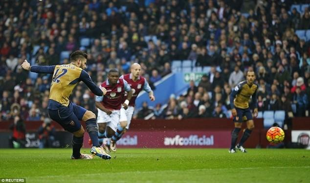 Giroud ghi bàn thắng mở tỷ số cho Arsenal từ chấm phạt 11m
