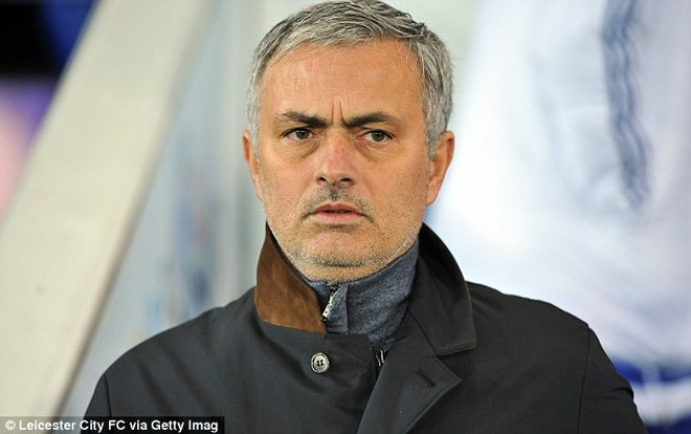 Mourinho bị Chelsea sa thải vào đêm qua (17-12)