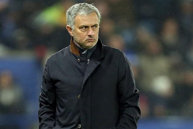 Chelsea phải bồi thường bao nhiêu tiền cho Mourinho?