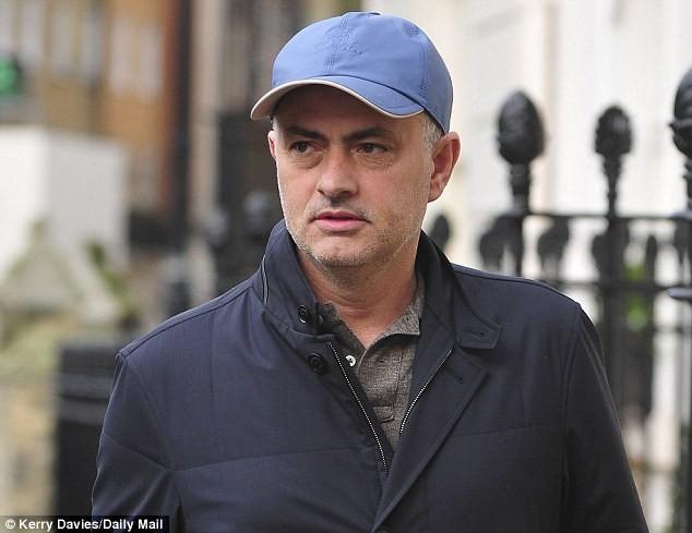 Fichajes đưa tin Mourinho đã nhất trí hợp đồng 5 năm tới dẫn dắt M.U