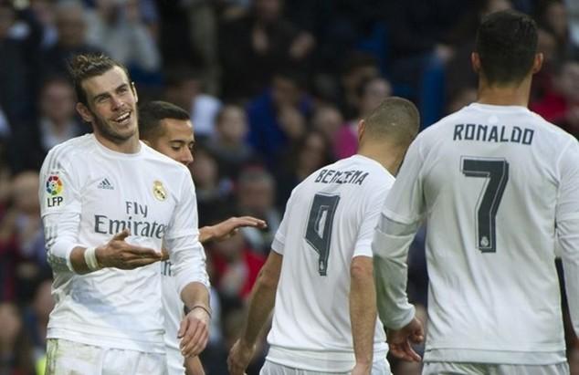Bale giải thích lý do anh ghi bàn thắng chứ không chuyền bóng cho Ronaldo