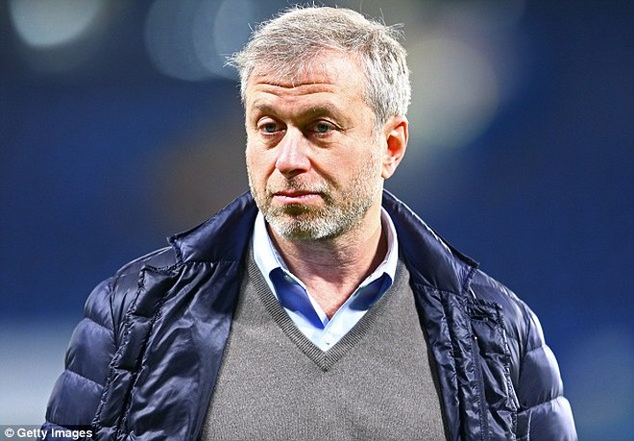 Tỷ phú Roman Abramovich hứa hẹn về một gói tài chính hấp dẫn cho Guardiola