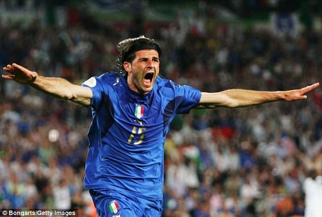 Iaquinta cùng đội tuyển Italia vô địch World Cup 2006