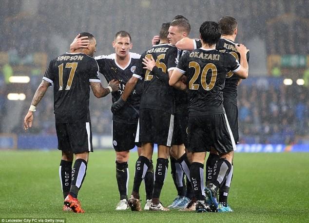 Leicester cần 3 điểm trọn vẹn tại Liverpool để bảo vệ ngôi đầu bảng