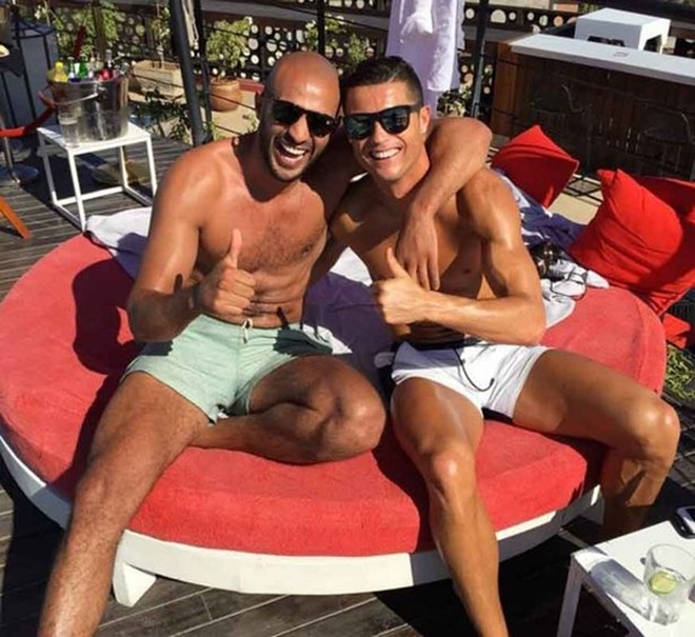 Ronaldo và Hari tỏ ra rất thân mật