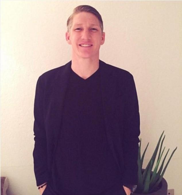 Bastian Schweinsteiger gửi lời chúc mừng năm mới trên mạng xã hội