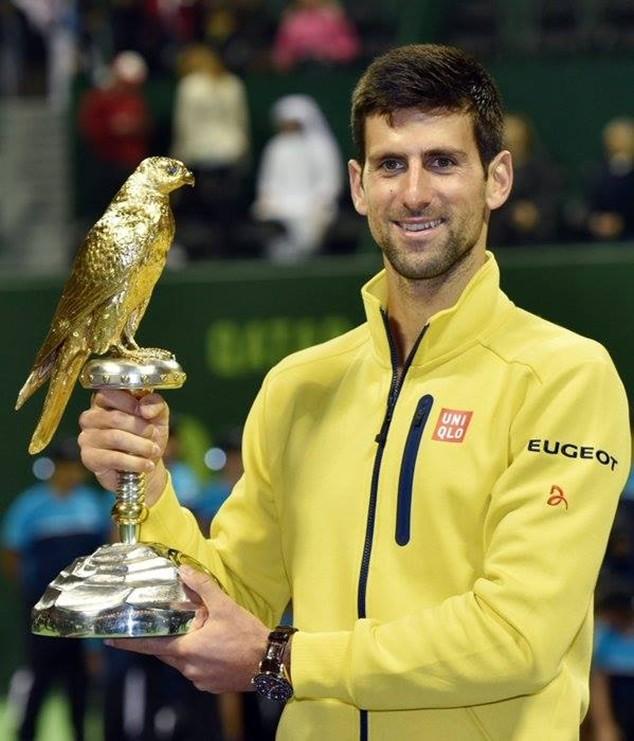 """Novak Djokovic """"mở hàng"""" năm 2016 bằng chức vô địch Qatar mở rộng"""