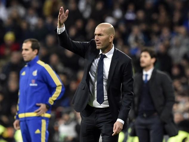 Zidane gặp khó sau khi mới được bổ nhiệm vào băng ghế huấn luyện của Real Madrid