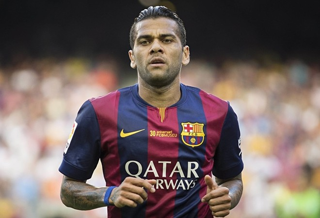 Daniel Alves là ngôi sao mới nhất được liên hệ tới Trung Quốc thi đấu