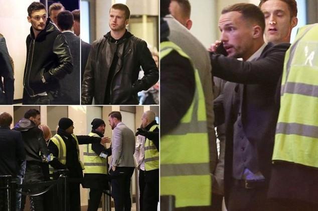 Cầu thủ của Leicester và Tottenham trước cửa hộp đêm
