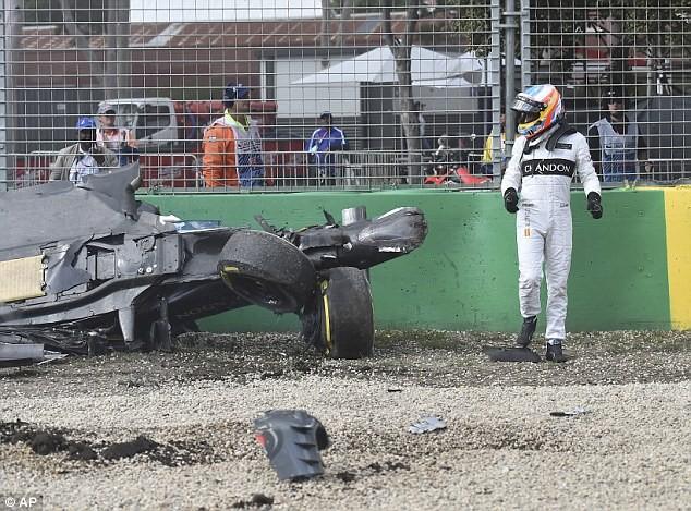 Cảnh tượng kinh hoàng sau vụ tai nạn ở tốc độ 200 dặm/giờ