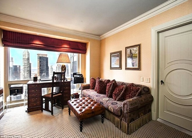 Proto đã cung cấp thông tin Ronaldo mua căn hộ ở New York rồi tặng cho Hari