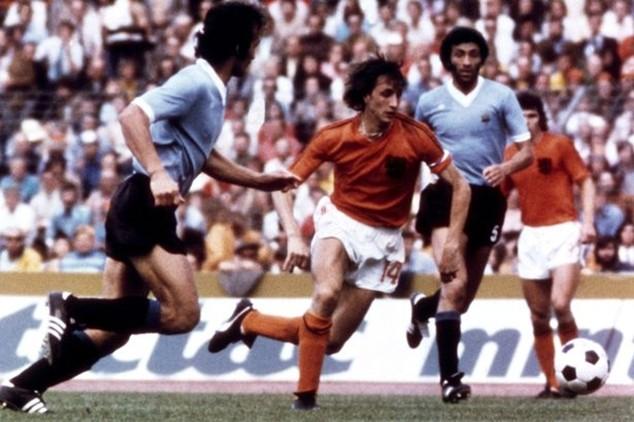 Cruyff hồi còn thi đấu