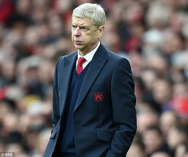 Arsenal trả 8,3 triệu bảng mỗi mùa cho Wenger