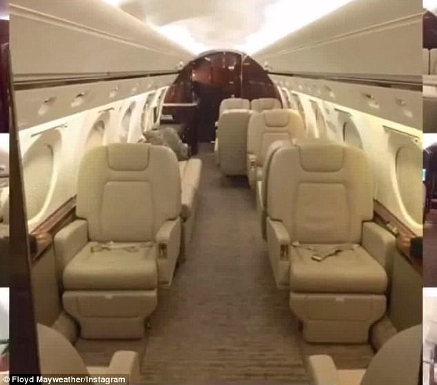 Máy bay của Mayweather có đầy đủ tiện nghi hạng sang