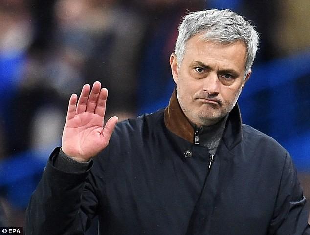 Mourinho bảo đảm băng ghế huấn luyện tại M.U ảnh 1