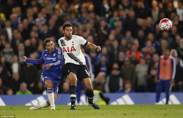 Hazard tỏa sáng muộn mằn, ghi bàn giúp Chelsea cân bằng tỷ số 2-2